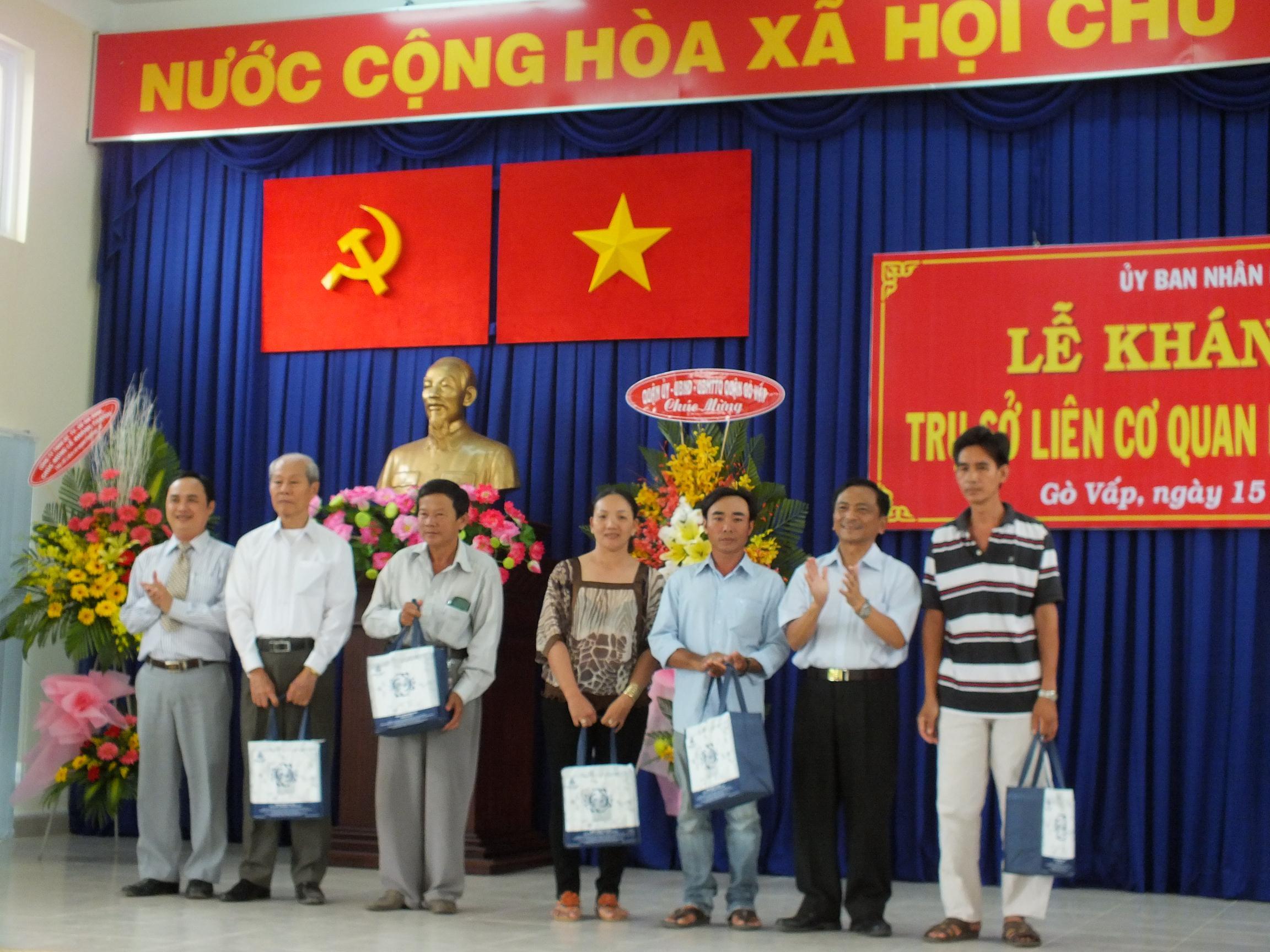 Description: http://govap.hochiminhcity.gov.vn/Hnh%20nh%20bn%20tin/2013-11/1511khanhthanhtrusop14.jpg